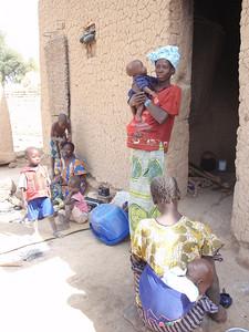 237_Parandougou   Mothers and Children  Colourful Clothes