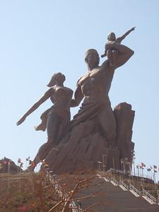 038_Dakar  Le Monument de la Renaissance Africaine  50m  2009