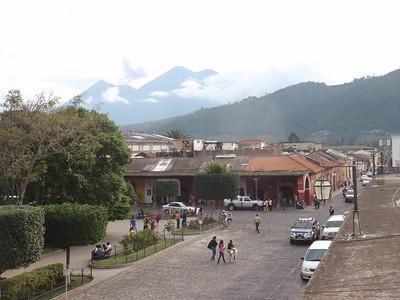 055  Antigua  Central Square