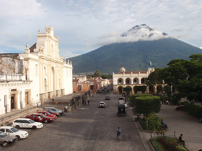 057  Antigua  Central Square  St  Joseph's Cathedral  1680