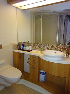 06_Cruise, Western Carribean  Luce and JDP Bathroom