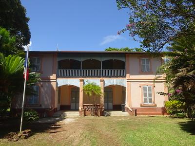 148_L'Ile Royale  Habitation du Médecin Chef  Aujourd'hui, abrite la Gendarmerie et des logements