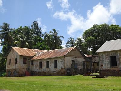 155_L'Ile Royale  Le Quartier Penitentiaire  À gauche, la case des portes clefs et poste de garde  À droite, la cuisine