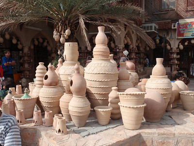 115_Nizwa Fort and Souq  Pottery