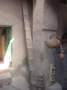 137_Al-Hamra  Bait Al Safah House  Ladder