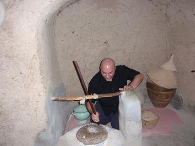 139_Al-Hamra  Bait Al Safah House  Crushing Stone for Grains