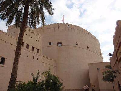 090_Nizwa Fort  17th  C  The 40m-tall round tower