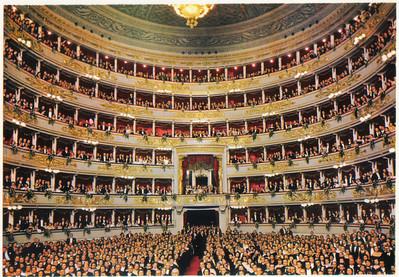 209_Milano_Scala_Theatre_6_etages_de_loges_2000_auditeurs