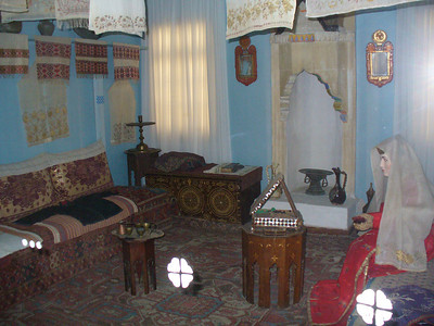 142_CB_Khan_s_Palace_Decorated_room_of_a_Tatar_bride