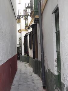 282_Sevilla  Barrio de Santa Cruz  Narrow street