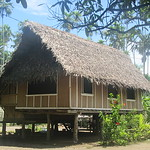276_South Coast Highway, 25 minutes from Madang  Bilbil Village  Population 2,000  9 clans