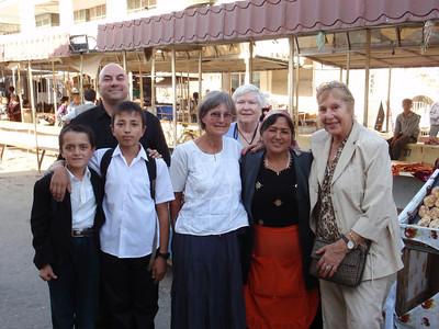 003_17 ans, Chust,  Bazaar  Papou, Margaret, Judy, Cornelia